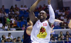 Barako comes from behind to take down mixers.