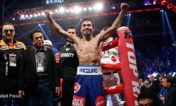 Pacquiao knocks Algieri down 6 times, dominates the whole fight.