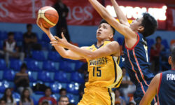 HEAVY BOMBERS BRING DOWN GENERALS BY 29 POINTS