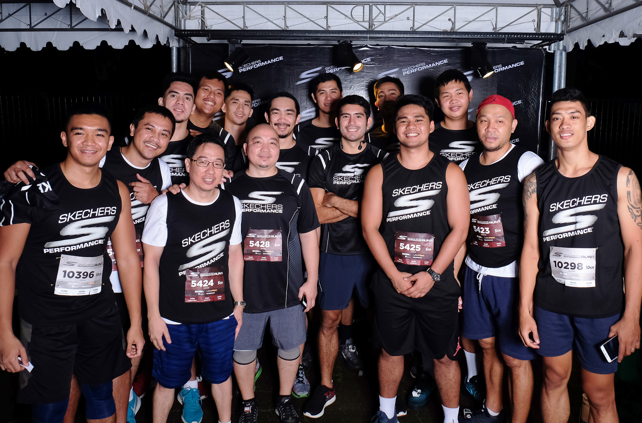 Gerald Anderson leads star-studded Skechers performance run