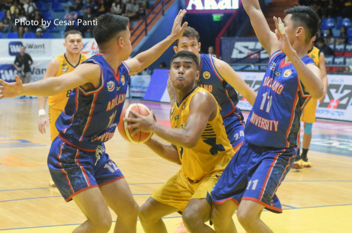 Heavy Bombers outlast Chiefs in thriller, nab first win