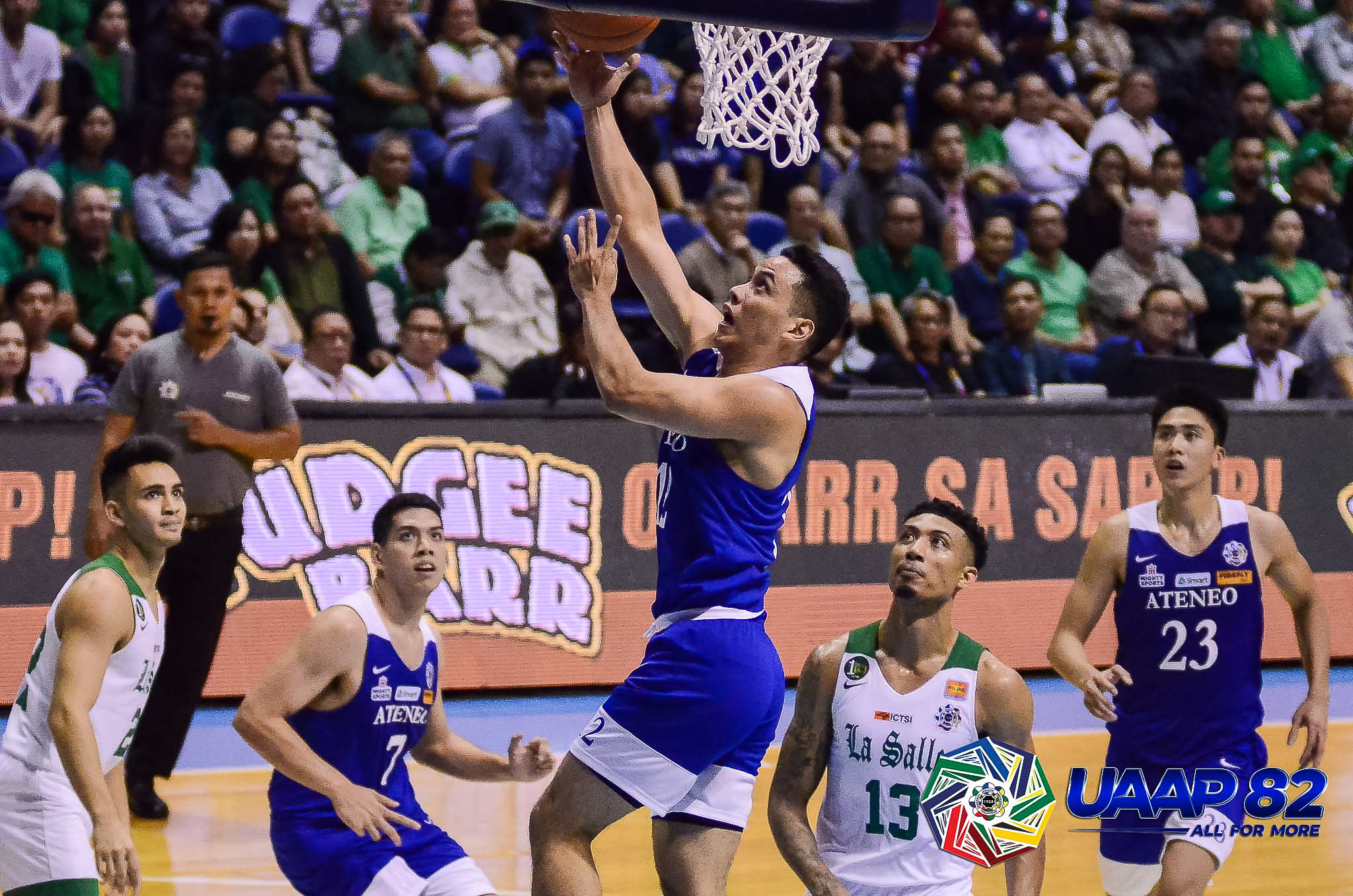 Ateneo overpowers La Salle to grab share of lead